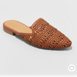 NWT Universal Thread whisper woven backless mules
